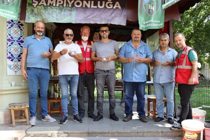 İzmit Belediyesi,taksicilere aşure ikram etti