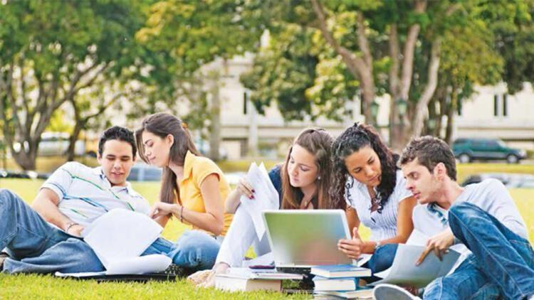 Üniversiteler yüzde 40 uzaktan eğitim yapacak!