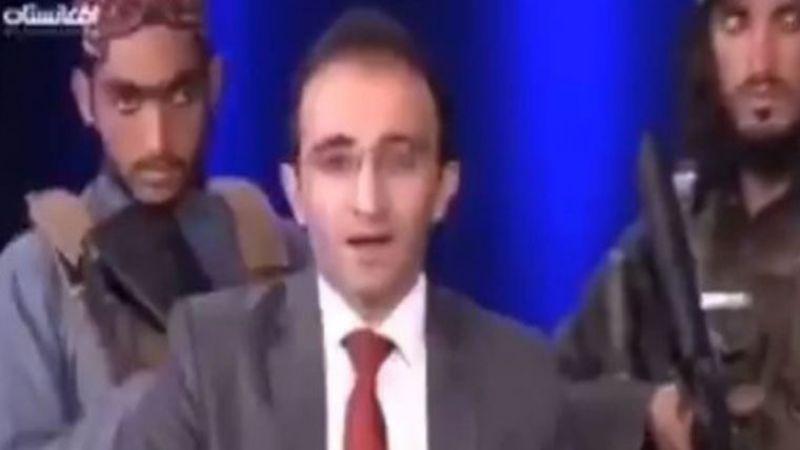 Taliban canlı yayında sunucunun etrafını sardı