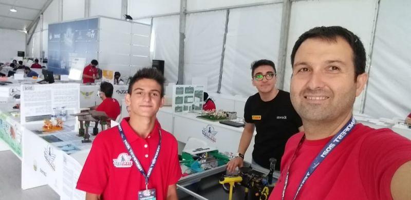 Kocaeli'nin gururu Pirelli Anadolu Lisesi oldu