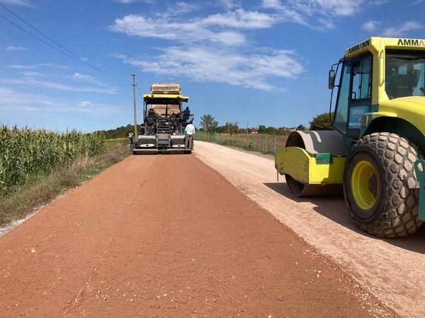 Köyler arasına beton yol yapılıyor