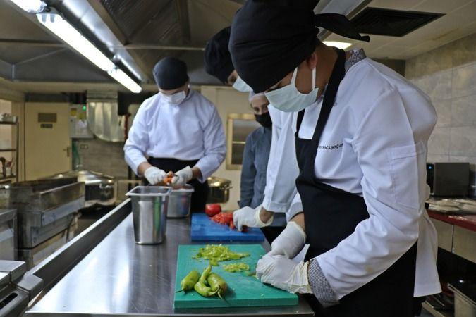 Taşımalı eğitim gören öğrencilerin yemekleri burada çıkıyor
