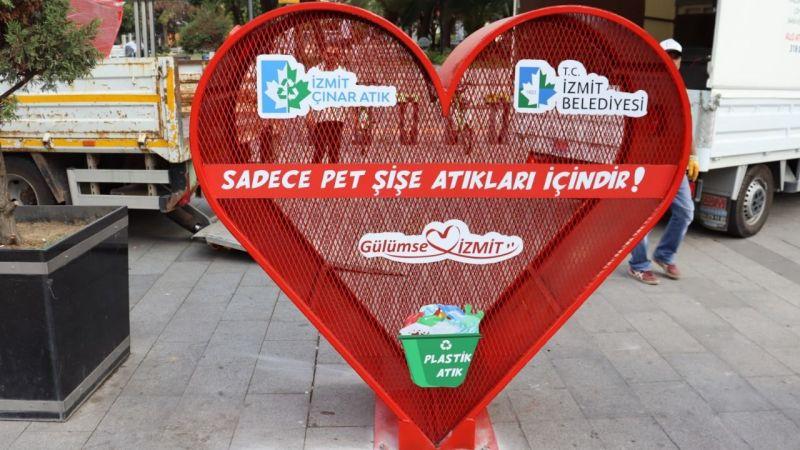 İzmit Belediyesi 1 ton plastikşişeyi geri dönüşüme kazandırdı