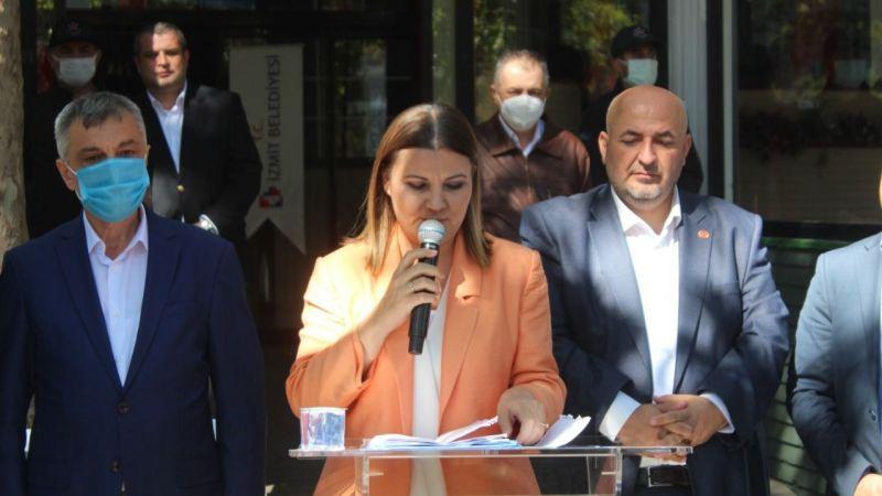 İzmit Belediyesi Büyükşehir'e yüklendi