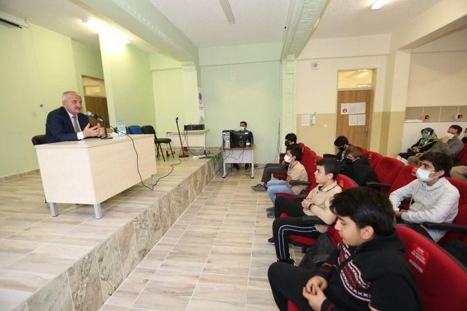 Başkan Aygün'den öğrencilere tecrübe paylaşımı