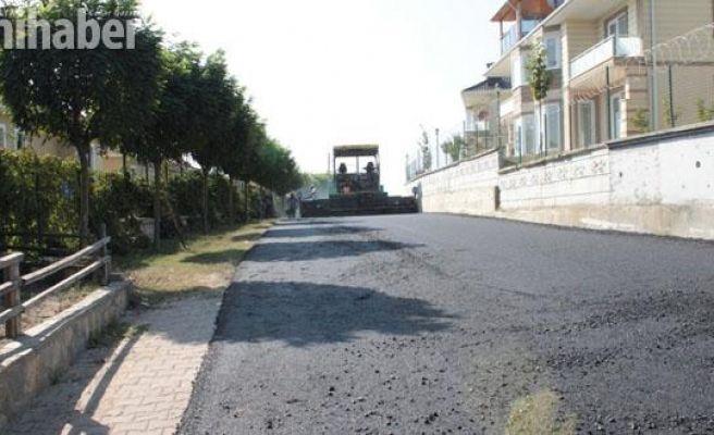 Serdivan'da asfalt çalışmaları hız kesmeden devam ediyor
