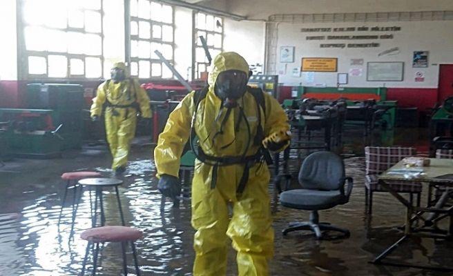 Su basan okulda zehirli gaz paniği