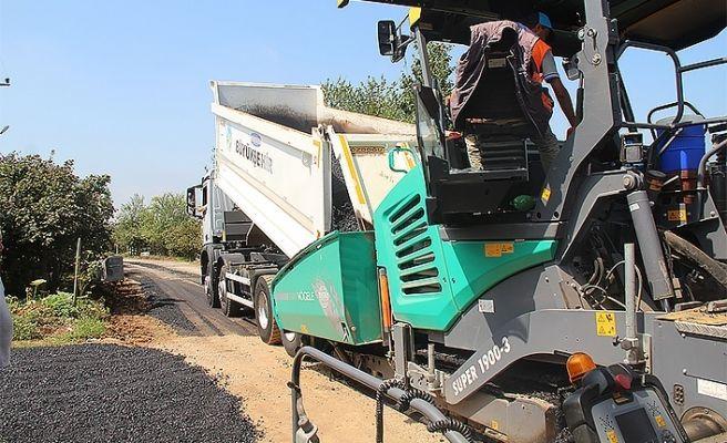 Hendek'te mahalle yolları yenileniyor