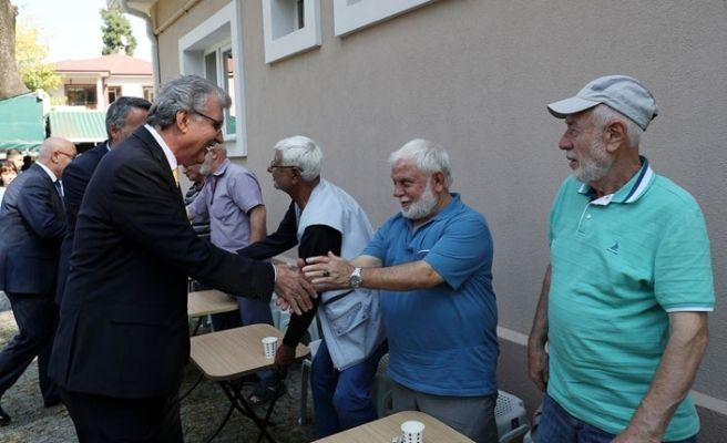 Ekrem Yüce yaşlılarla buluştu