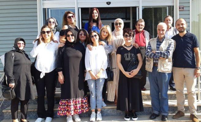 Huzurevi sakinlerinin Yaşlılar Haftasını kutladılar