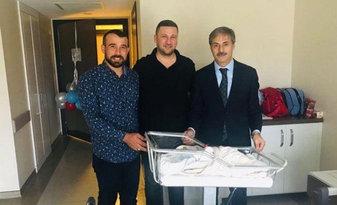 AKP'li genç başkan üçüncü kez baba oldu