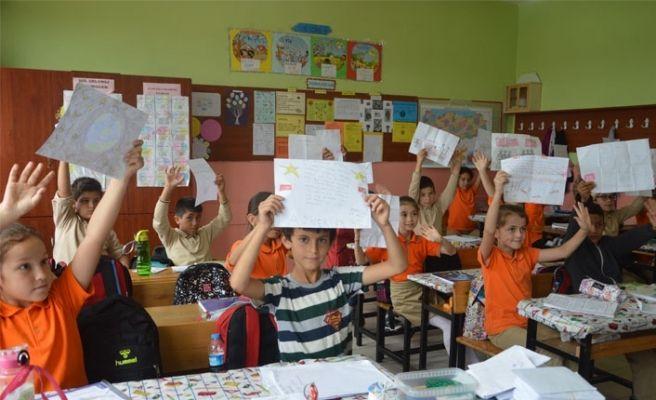 Öğrencilerden Mehmetçik'e mektup