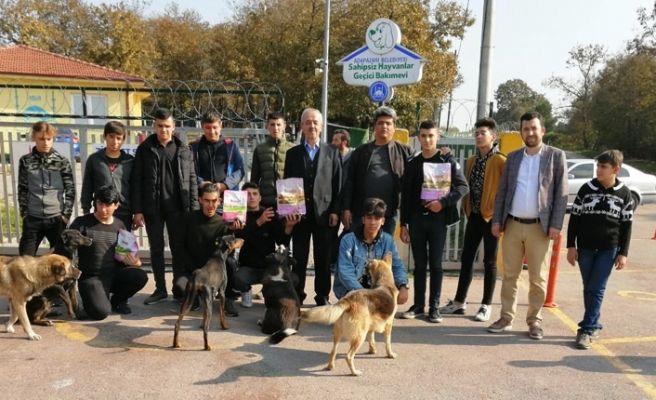 Öğrenciler Hayvan Barınağını Ziyaret Etti