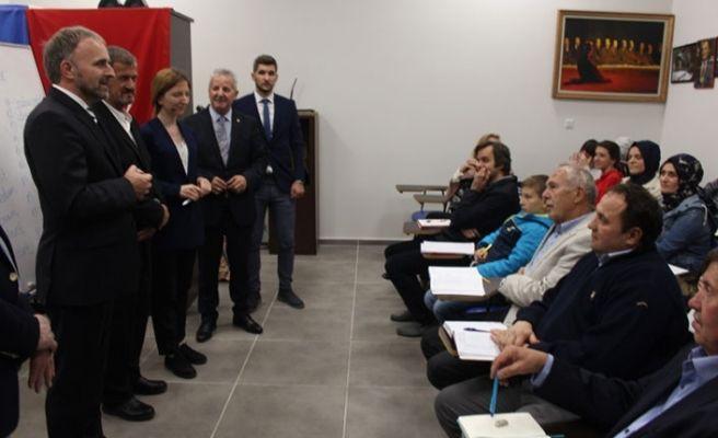 Büyükelçi Sadoviç'ten Boşnakça kursuna ziyaret