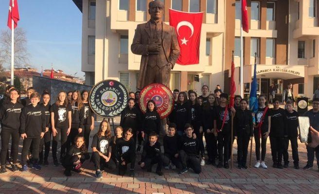 Atatürk Sapanca'da saygıyla anıldı