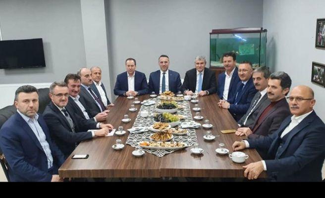 İlçe Belediye Başkanları Geyve'de toplandı