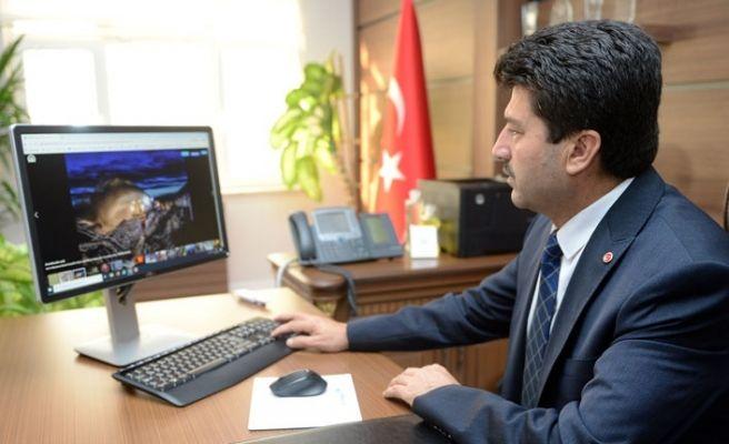 Rektör Sarıbıyık 'Yılın Fotoğraflarını' seçti