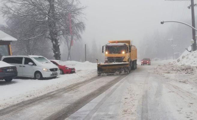 Sakarya'da 50 mahallenin yolu kardan kapalı!