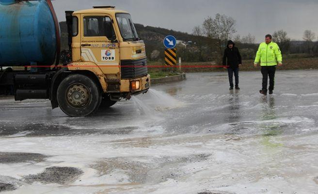Ferizli OSB kavşağı tankerle yıkandı