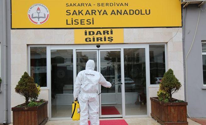 Serdivan'da tüm eğitim binaları ilaçlandı