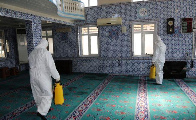 Serdivan'da camiler ve mescitler dezenfekte edildi