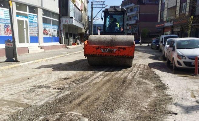 Ferizli'deki caddeye geçici tamirat