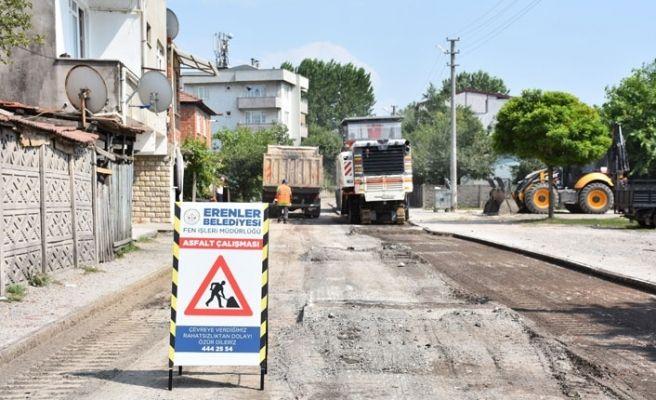 Hacıoğlu'nda iki sokağa asfalt