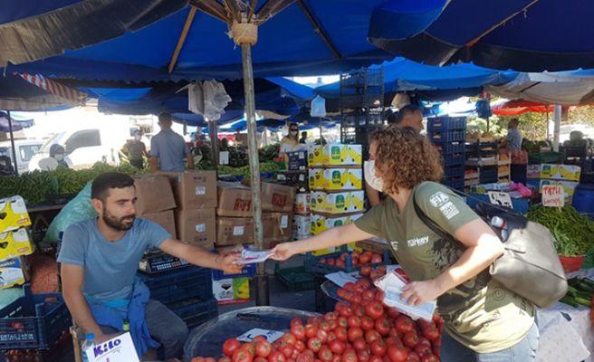 CHP'li kadınlarmaske dağıttı