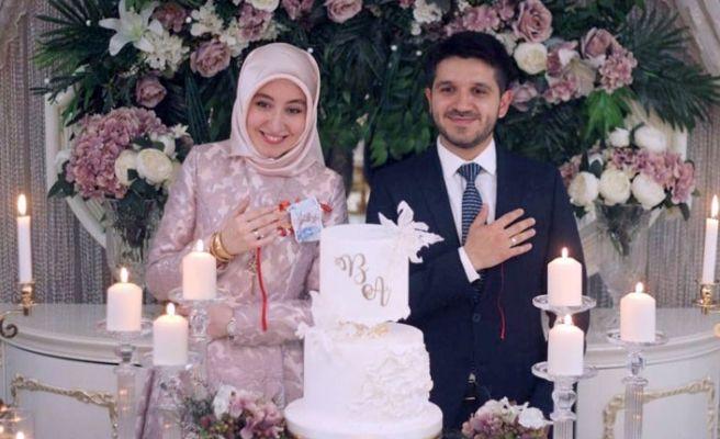 Rektör Sarıbıyık kızını evlendiriyor