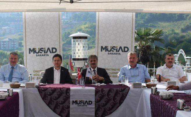 MÜSİAD Serdivan'daki üyeleriyle buluştu