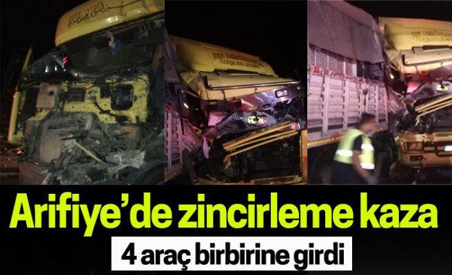 Arifiye'de zincirleme kaza