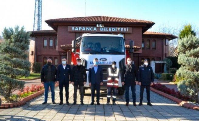 Sapanca Belediyesi'ne yeni çöp kamyonu