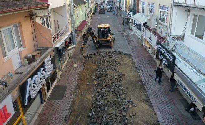 Akyazı'da iki sokak yenileniyor