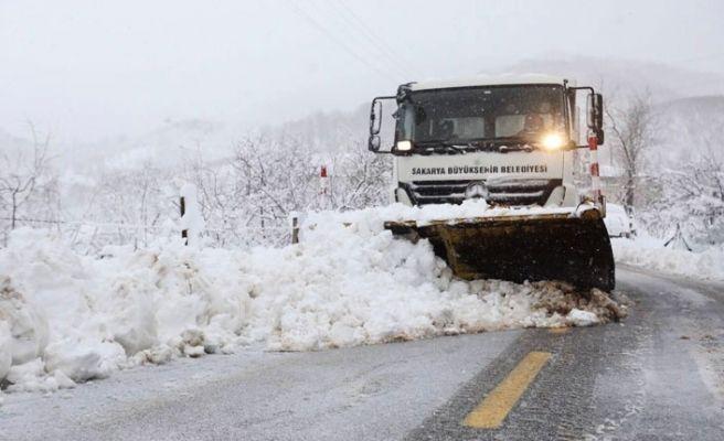 Büyükşehir'in karla mücadelesi sürüyor