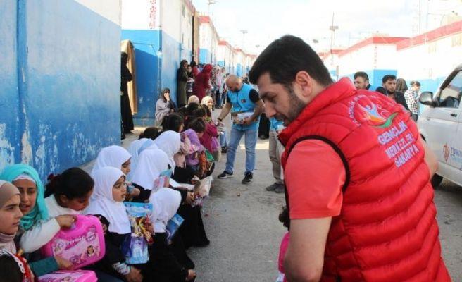 Sakarya'dan yola çıkan yardım tırları İdlib'te