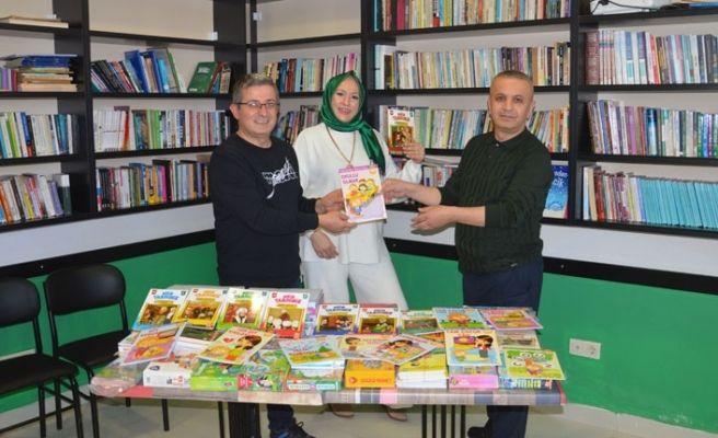 Okul müdüründen hediye 500 kitap