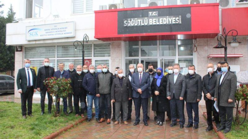 Özten siyasi parti temsilcilerinin sorularını yanıtladı