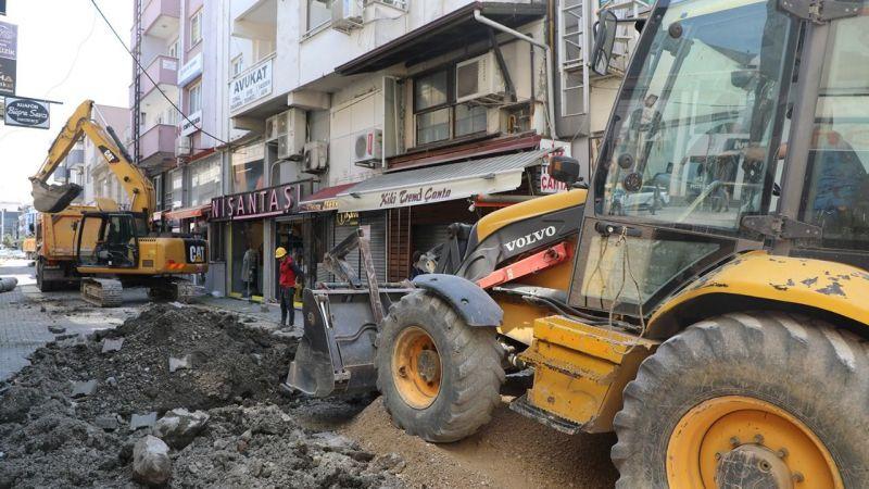 Çark Caddesi girişinde altyapı çalışması başlatıldı
