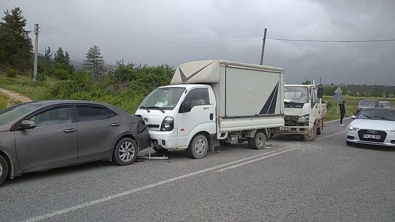 Taraklı'da zincirleme trafik kazası: 1 yaralı