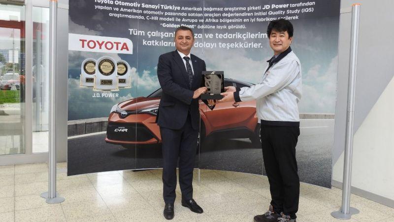 Toyota Türkiye'ye platin ihracat ödülü