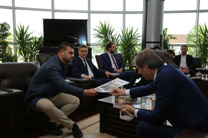 AK Parti Gençlik Kolları'ndan Serdivan ziyareti!