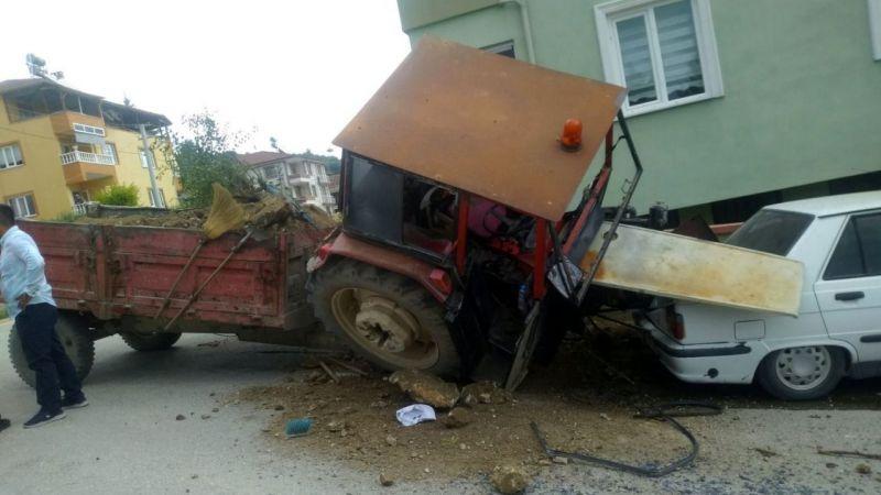 Pamukova'da faciaya kıl payı! 2 yaralı...