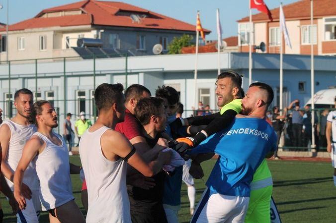 Karasuspor-Hendekspor maçında olay çıktı!