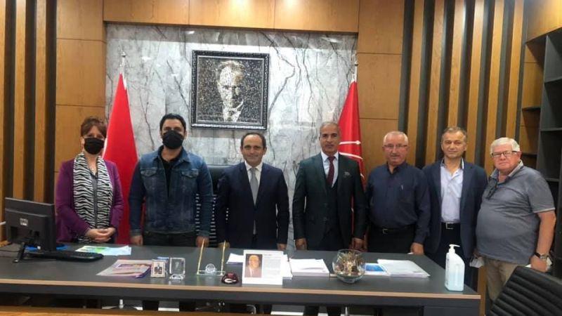 Romanlardan CHP'ye ziyaret