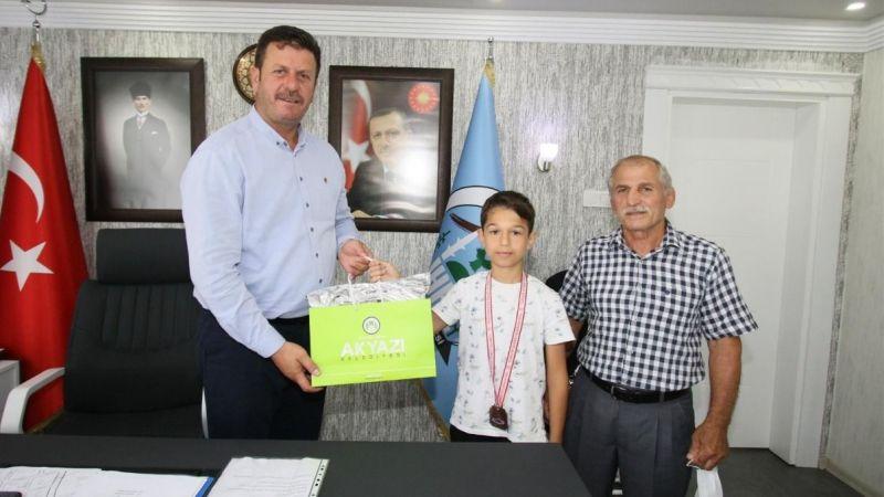 Akyazı Belediyesi güreş takımından büyük başarı