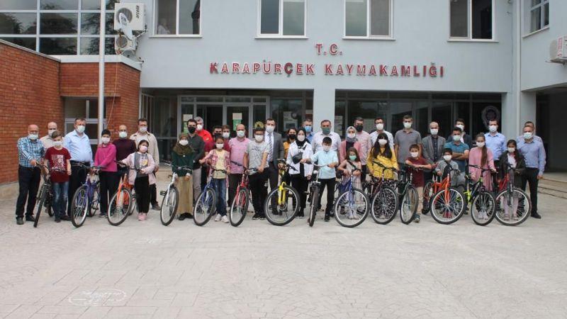 """""""Okumak, Özgürlüğe Pedal Çevirmektir"""" projesi tamamlandı"""
