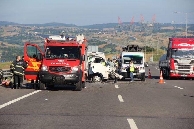 Yeni otoyolda feci kaza: 1 ölü 1 yaralı