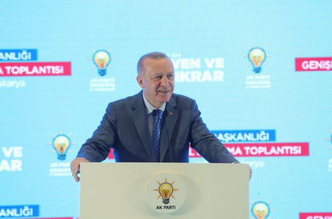 """Cumhurbaşkanı Erdoğan: """"CHP, Türk siyasetini kirletmektedir"""""""