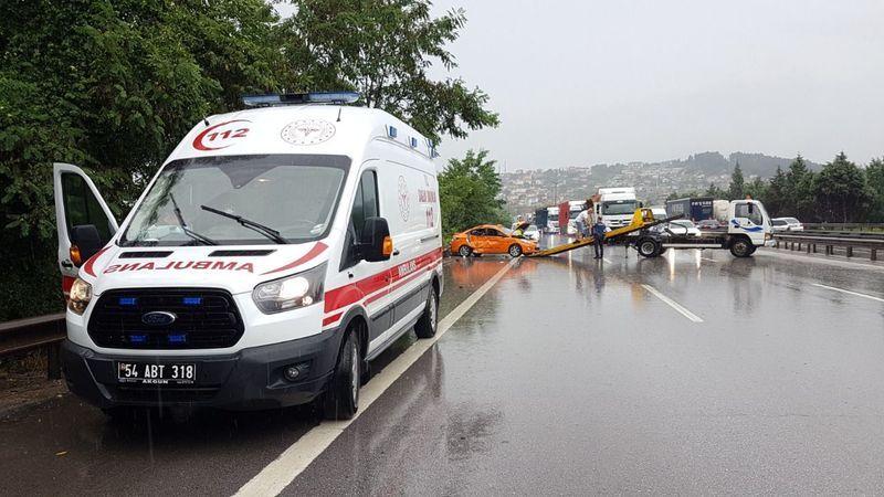TEM'de feci kaza: Çok sayıda yaralı var!