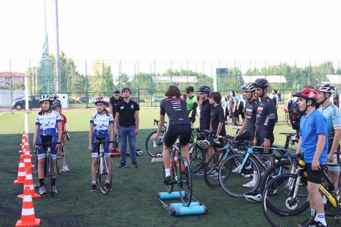 Açılış yapıldı, yaz spor okulları faaliyetlere başladı